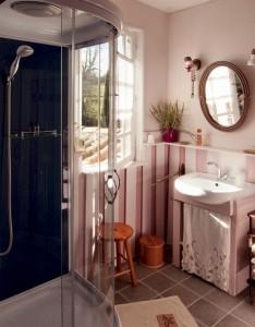salle d'eau chambre ancienne
